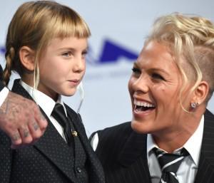 Pink met haar dochter bij de MTV Video Music Awards
