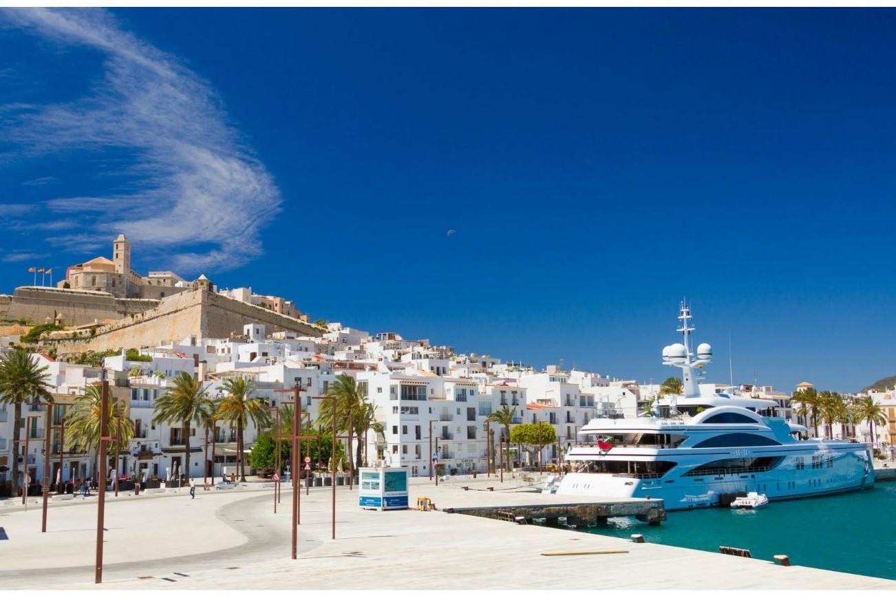 8 Europese steden met het lekkerste weer: Ibiza stad