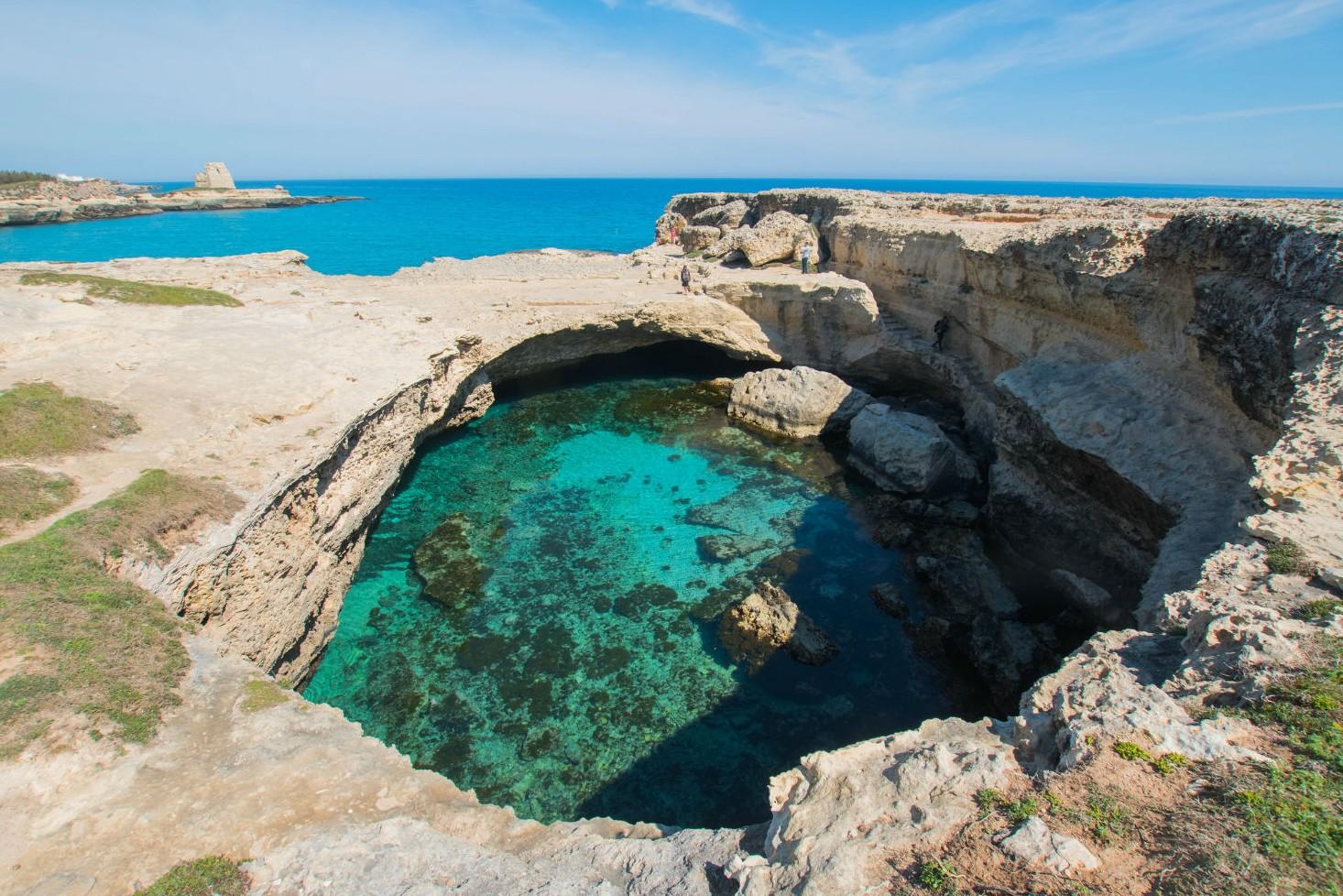 De 5 mooiste natuurlijke zwembaden ter wereld - Grotta della Poesia in Italie