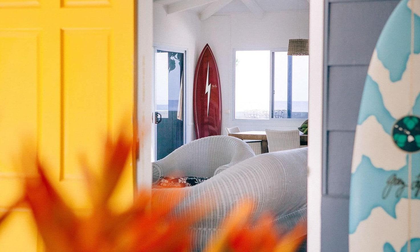 6X surf shacks de jaloersmakende woningen van surfers - Raimana van Bastolaer